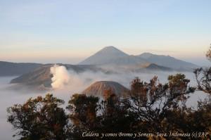 Caldera Tengger-Bromo y cono del Semeru